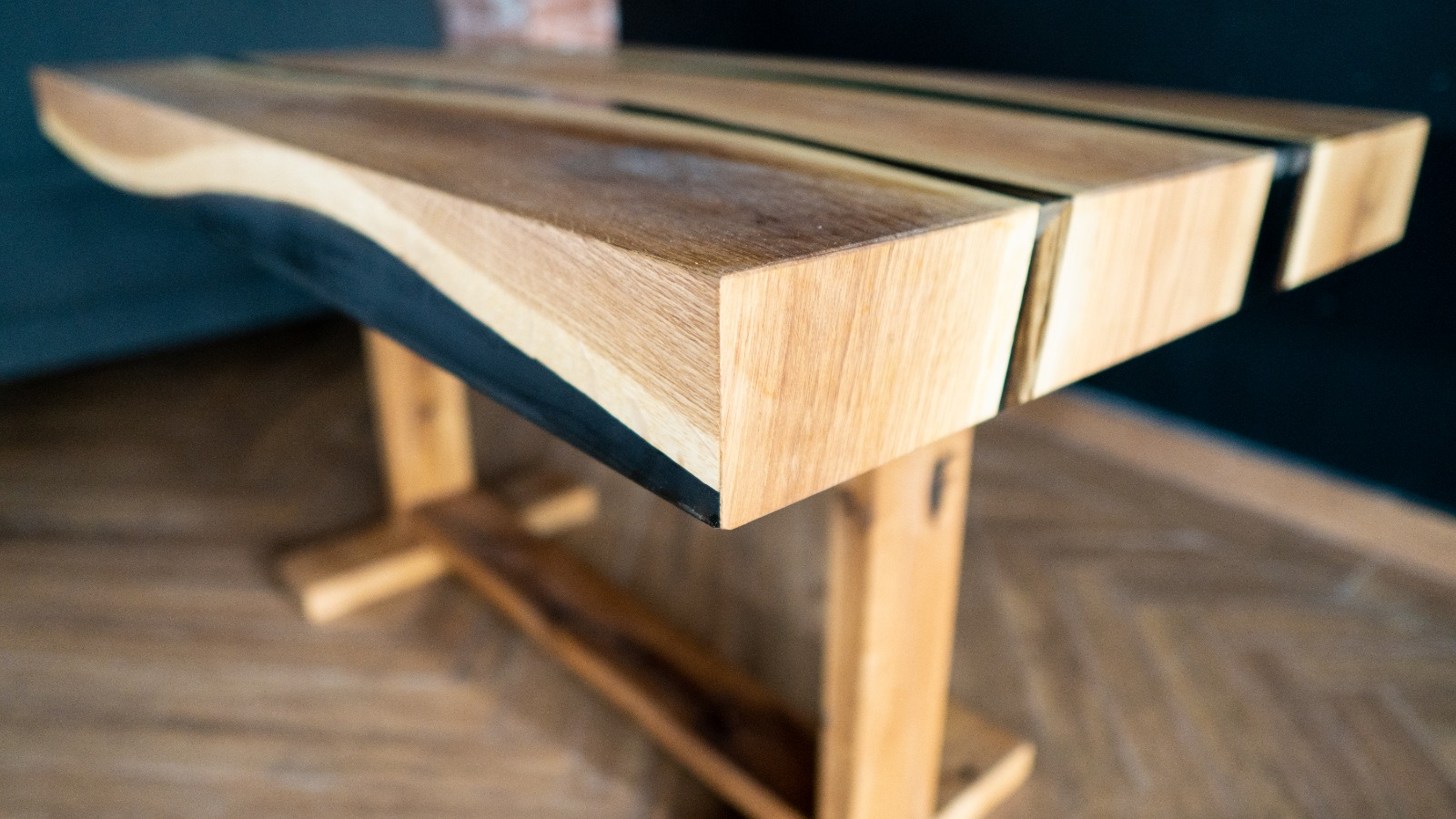 resin dining table